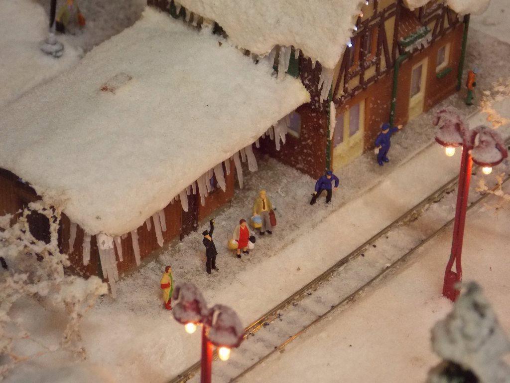 Christmas Spirit Model Train Layout N Scale Ebay