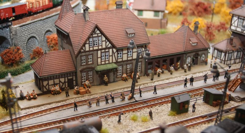 Model Christmas Trains